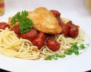 Piccata mit Met-Tomatensauce