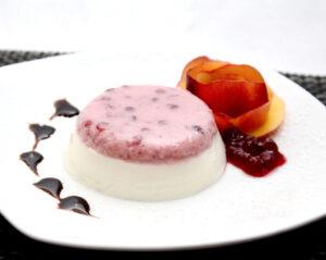 """""""Preiselbeer/Joghurt-Pannacotta"""" mit Vanillemet"""
